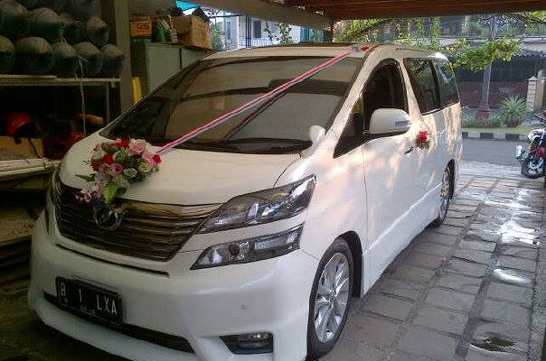 Wedding Car Toyota Vellfire